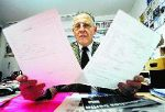 José Weber führt Heiratswillige unter die Chuppa