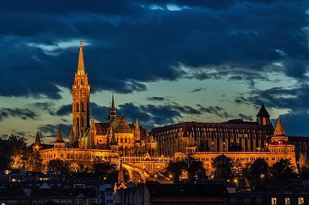 Premium Partnervermittlung Dunalove in Budapest