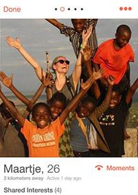 Tinder humanitär